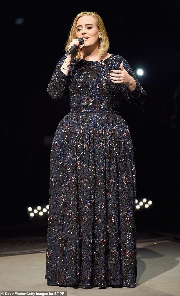 Adele bỗng lên top tin hot nhất Naver Hàn, tất cả nhờ loạt ảnh lần đầu diện đồ bó sát khoe rõ body sau khi giảm tận 45kg - Ảnh 4.