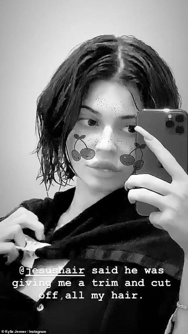 Nữ tỷ phú sexy nhất Hollywood Kylie Jenner lột xác khác lạ với mái tóc mới: Đã xinh đẹp giờ càng thăng hạng chóng mặt! - Ảnh 6.