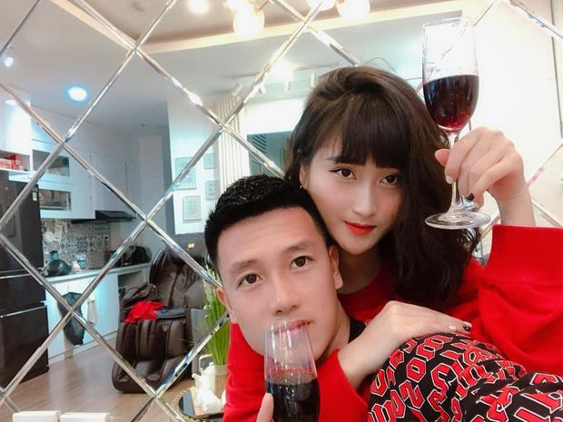 Bạn gái tuyển thủ Việt Nam phản ứng cực gắt với cư dân mạng vì bị chê ăn bám người yêu - Ảnh 4.
