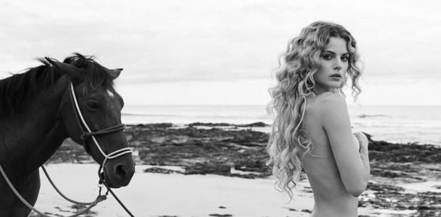 Germanys Next Top Model chơi lớn đầu năm khi cho thí sinh cởi tuốt tuồn tuột chụp hình - Ảnh 8.