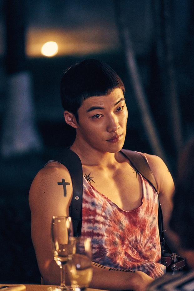 9 nam thần trẻ xứ Hàn lần đầu đóng phim đã được khen nức nở: D.O. được đề cử danh giá, Geun Soo đốn tim hội chị em cực mạnh - Ảnh 7.