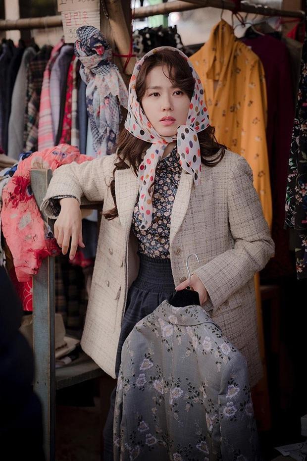 Phim gần hết mà set đồ hơn 100 triệu Son Ye Jin mặc khi rửa bát vẫn khiến dân tình trầm trồ không ngớt - Ảnh 2.