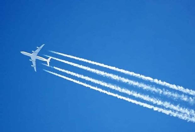 Đôi lúc ngước lên trời thấy những vệt dài màu trắng do máy bay để lại, hoá ra không phải là khói như nhiều người lầm tưởng - Ảnh 2.