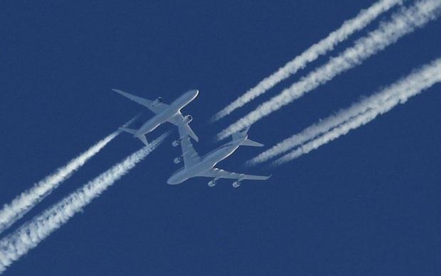 Đôi lúc ngước lên trời thấy những vệt dài màu trắng do máy bay để lại, hoá ra không phải là khói như nhiều người lầm tưởng - Ảnh 3.