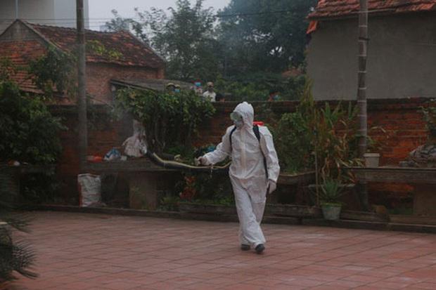 Việt Nam: Tuyến huyện có thể chữa khỏi Covid-19  - Ảnh 2.