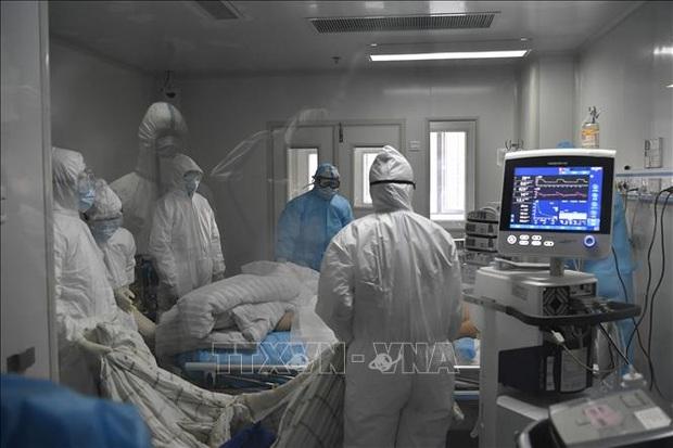25.633 nhân viên y tế tham gia dập dịch tại Hồ Bắc - Trung Quốc - Ảnh 1.