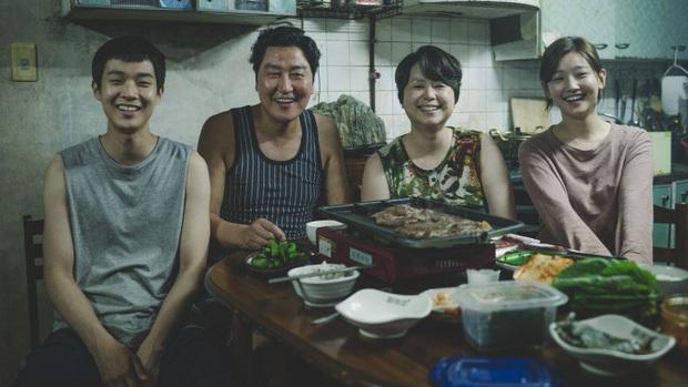 Mùi nhà nghèo trong Parasite chính là mùi của sự nghèo khổ từ cuộc đời Bong Joon Ho - Ảnh 1.