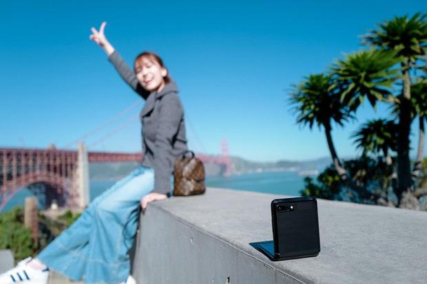 Video trải nghiệm camera Galaxy Z Flip - một cách chụp hình hoàn toàn mới - Ảnh 2.