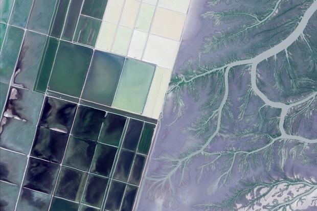 10 ảnh vệ tinh đẹp nao lòng từ Google Earth: Sự sắp đặt thần kỳ của tạo hóa xứng tầm tác phẩm triệu đô - Ảnh 7.