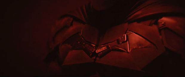 Loạt giả thuyết về bộ suit mới của Robert Pattinson ở The Batman: Logo được thiết kế lại là siêu vũ khí cực lợi hại? - Ảnh 5.