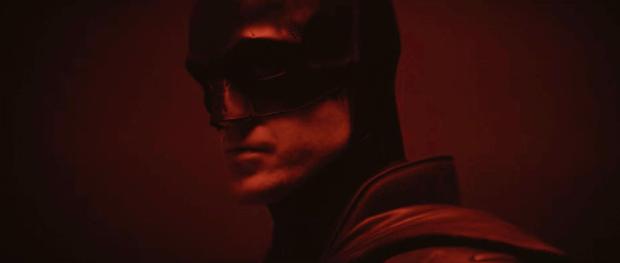 Loạt giả thuyết về bộ suit mới của Robert Pattinson ở The Batman: Logo được thiết kế lại là siêu vũ khí cực lợi hại? - Ảnh 3.