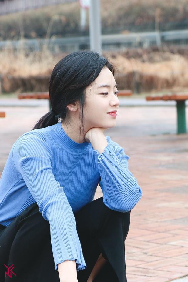 Cô nàng chuyển giới siêu hot của Itaewon Class: Nhan sắc lạ, lột xác nhờ tóc dài và màn hôn môi đồng tính gây sốc - Ảnh 7.