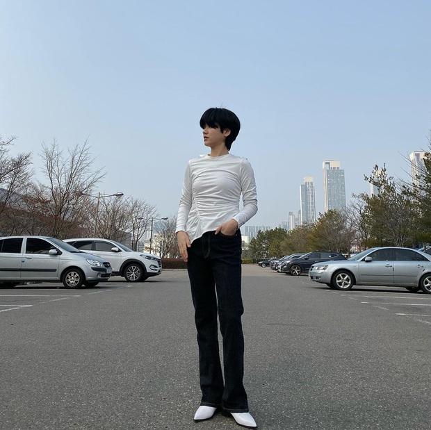 Cô nàng chuyển giới siêu hot của Itaewon Class: Nhan sắc lạ, lột xác nhờ tóc dài và màn hôn môi đồng tính gây sốc - Ảnh 16.