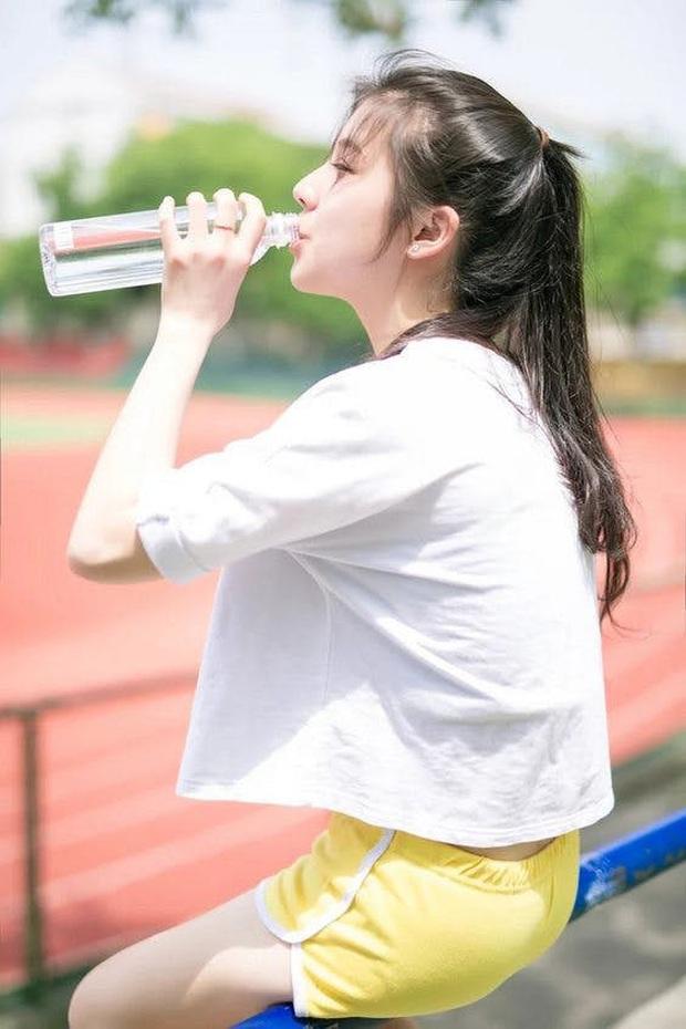 Lịch trình uống nước ấm trong ngày giúp bạn giảm tới 4,5kg chỉ sau 1 tuần - Ảnh 4.