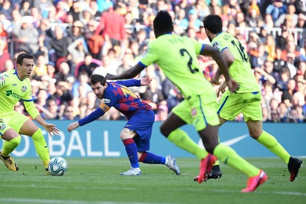 Đàn em đen đủi dính chấn thương toang luôn cả mùa giải, Messi cùng các đồng đội nghĩ ra cách động viên cực kỳ ấm lòng - Ảnh 6.