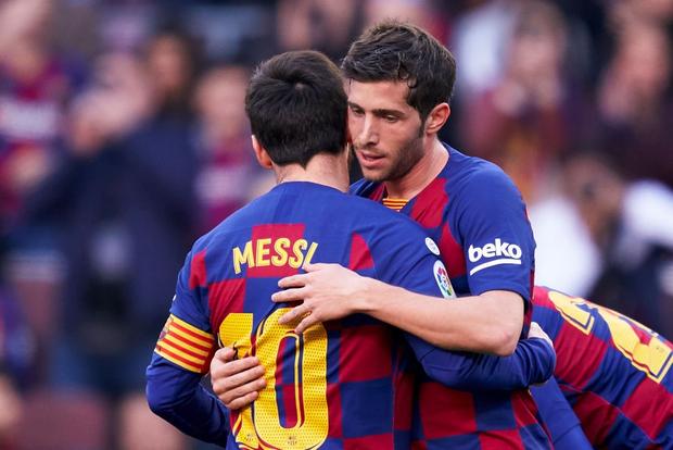 Đàn em đen đủi dính chấn thương toang luôn cả mùa giải, Messi cùng các đồng đội nghĩ ra cách động viên cực kỳ ấm lòng - Ảnh 7.