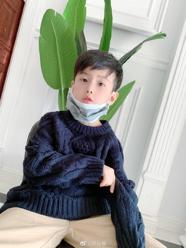 Sau 4 năm, gia đình hot nhất MXH Trung Quốc một lần nữa khiến dân tình cảm thán: Sao ai cũng đẹp quá vậy! - Ảnh 6.