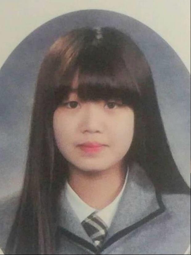 """Màn dậy thì gây sốc của mỹ nhân (G)I-DLE được gọi là """"HyunA phiên bản mới"""": Ảnh tốt nghiệp sao quá khác bây giờ - Ảnh 1."""