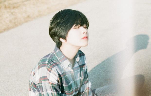 Cô nàng chuyển giới siêu hot của Itaewon Class: Nhan sắc lạ, lột xác nhờ tóc dài và màn hôn môi đồng tính gây sốc - Ảnh 23.