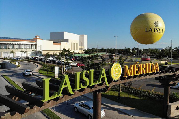Chán thang cuốn bình thường, trung tâm thương mại Mexico quyết định lắp hẳn… cầu trượt và nhà banh cho khách tha hồ tìm về tuổi thơ - Ảnh 2.