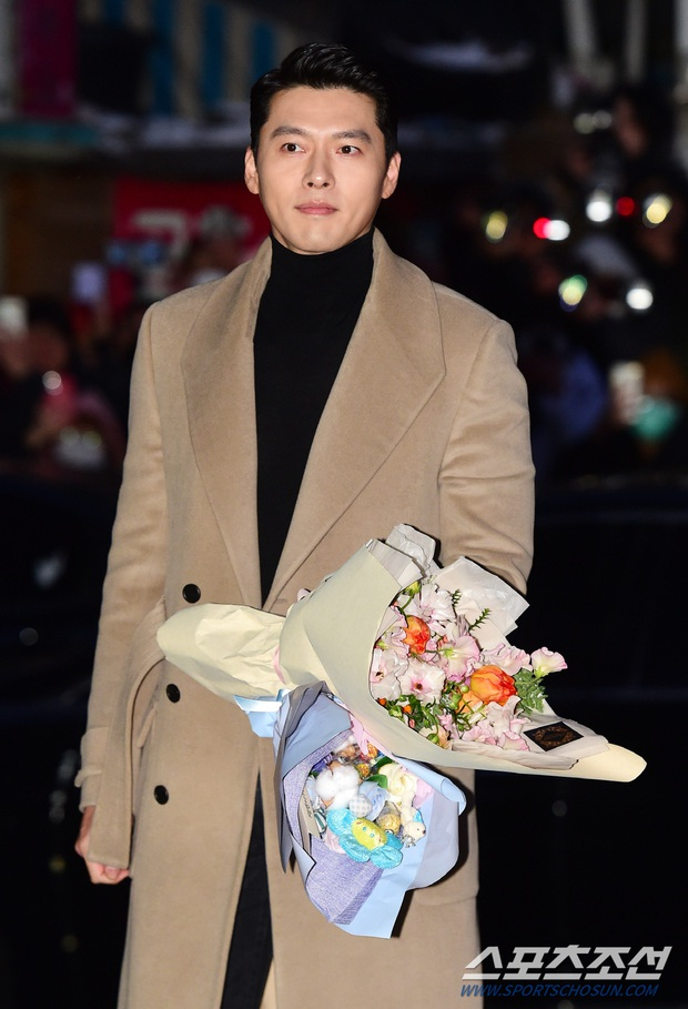 Xôn xao visual dàn sao Hạ cánh nơi anh ở tiệc mừng công: Son Ye Jin - Hyun Bin cân cả đèn flash, cast phụ bị dìm thê thảm - Ảnh 1.