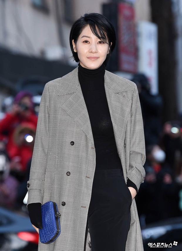 Xôn xao visual dàn sao Hạ cánh nơi anh ở tiệc mừng công: Son Ye Jin - Hyun Bin cân cả đèn flash, cast phụ bị dìm thê thảm - Ảnh 15.