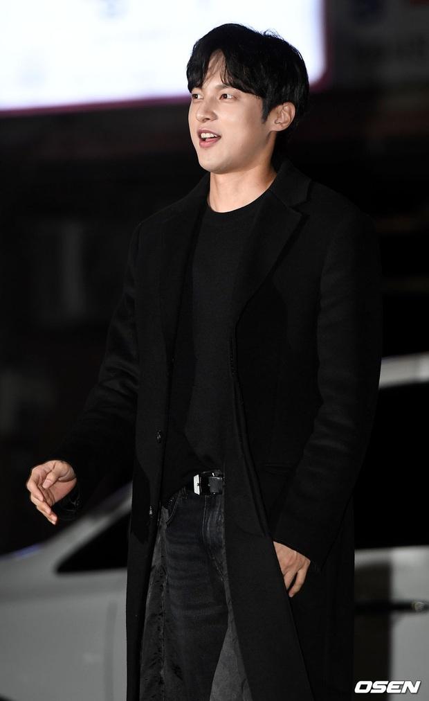 Xôn xao visual dàn sao Hạ cánh nơi anh ở tiệc mừng công: Son Ye Jin - Hyun Bin cân cả đèn flash, cast phụ bị dìm thê thảm - Ảnh 23.