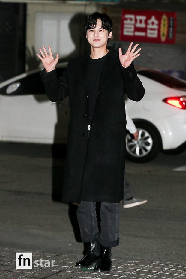 Xôn xao visual dàn sao Hạ cánh nơi anh ở tiệc mừng công: Son Ye Jin - Hyun Bin cân cả đèn flash, cast phụ bị dìm thê thảm - Ảnh 24.