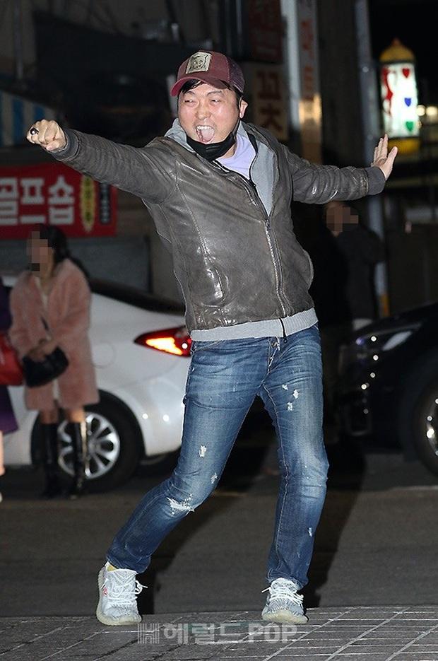 Xôn xao visual dàn sao Hạ cánh nơi anh ở tiệc mừng công: Son Ye Jin - Hyun Bin cân cả đèn flash, cast phụ bị dìm thê thảm - Ảnh 25.