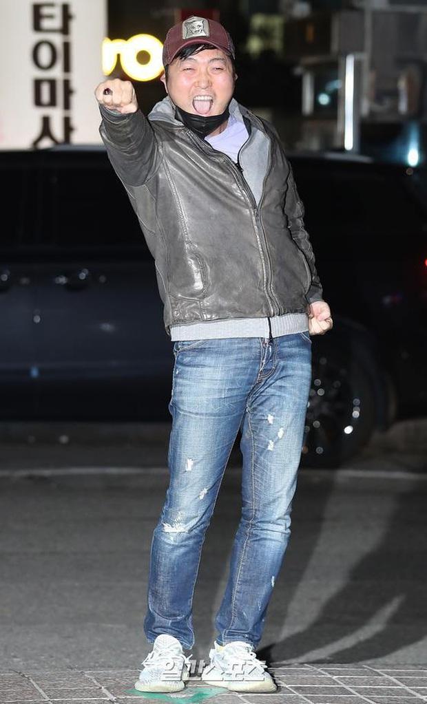 Xôn xao visual dàn sao Hạ cánh nơi anh ở tiệc mừng công: Son Ye Jin - Hyun Bin cân cả đèn flash, cast phụ bị dìm thê thảm - Ảnh 26.
