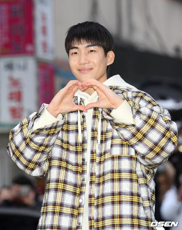 Xôn xao visual dàn sao Hạ cánh nơi anh ở tiệc mừng công: Son Ye Jin - Hyun Bin cân cả đèn flash, cast phụ bị dìm thê thảm - Ảnh 28.