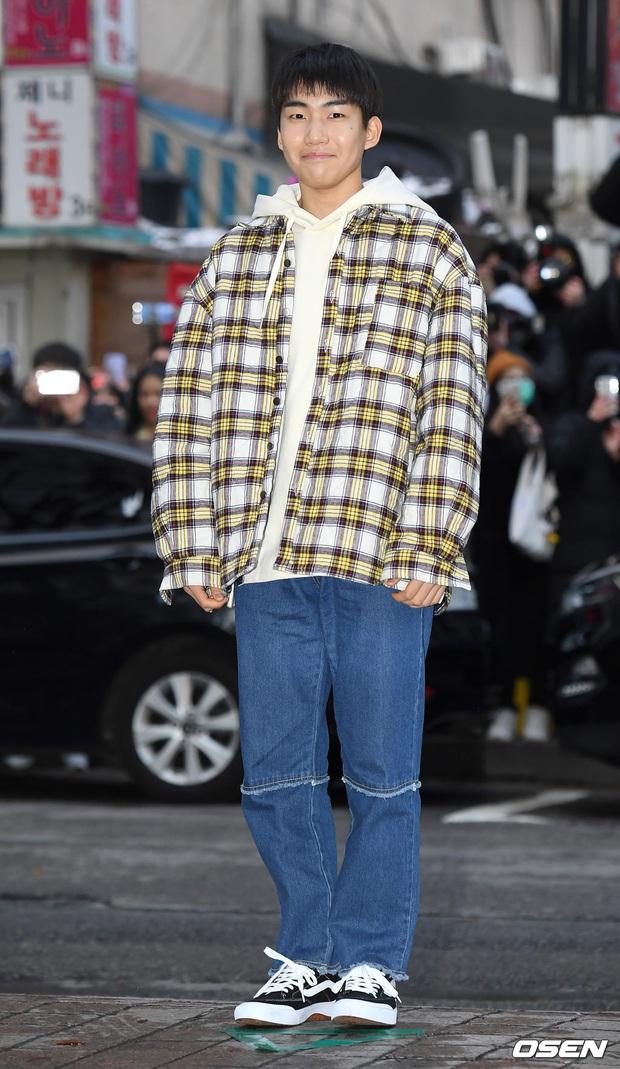 Xôn xao visual dàn sao Hạ cánh nơi anh ở tiệc mừng công: Son Ye Jin - Hyun Bin cân cả đèn flash, cast phụ bị dìm thê thảm - Ảnh 27.