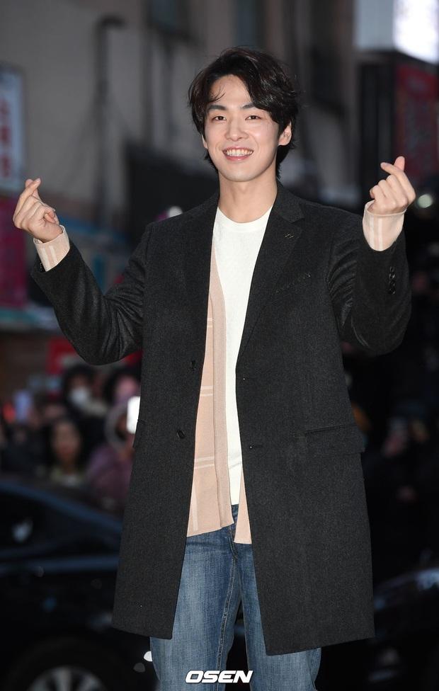 Xôn xao visual dàn sao Hạ cánh nơi anh ở tiệc mừng công: Son Ye Jin - Hyun Bin cân cả đèn flash, cast phụ bị dìm thê thảm - Ảnh 10.