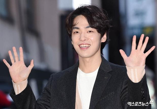 Xôn xao visual dàn sao Hạ cánh nơi anh ở tiệc mừng công: Son Ye Jin - Hyun Bin cân cả đèn flash, cast phụ bị dìm thê thảm - Ảnh 11.