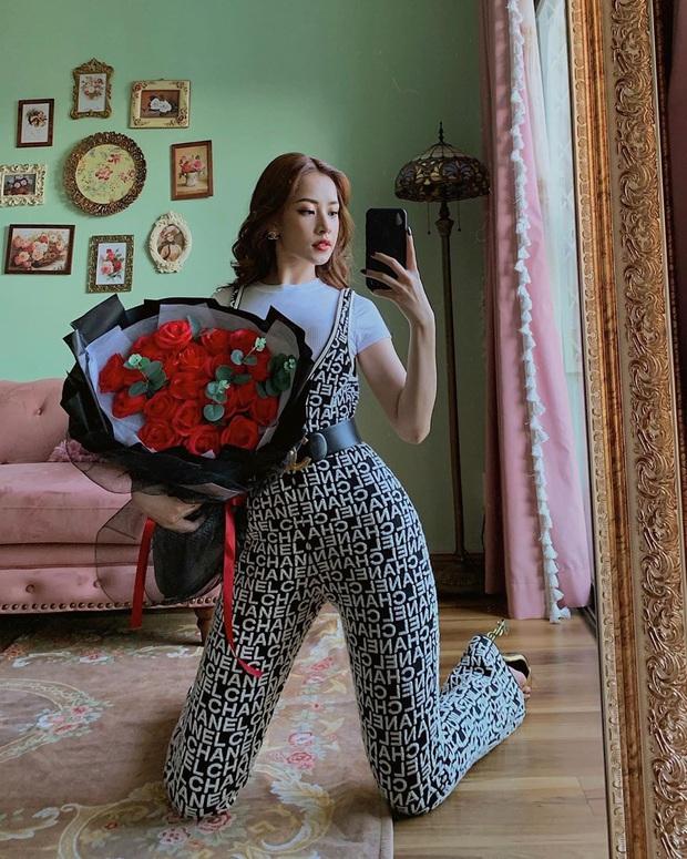 Diện bộ jumpsuit gần 80 triệu, Chi Pu mix đồ cực kỳ cao tay thậm chí còn có thể so bì độ gợi cảm với cả Kylie Jenner - Ảnh 2.