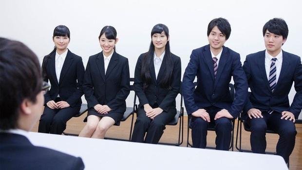 Từ chuyện kinh nghiệm chuyên ngành con số 0 nhưng vẫn được nhận cho đến văn hoá tuyển dụng độc đáo của các doanh nghiệp Nhật Bản - Ảnh 1.