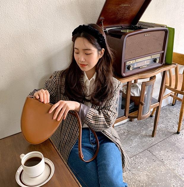 Ngắm Thanh Hằng diện bờm tóc quá sang - xịn - mịn, chị em sẽ muốn đu theo mốt phụ kiện này ngay lập tức - Ảnh 8.