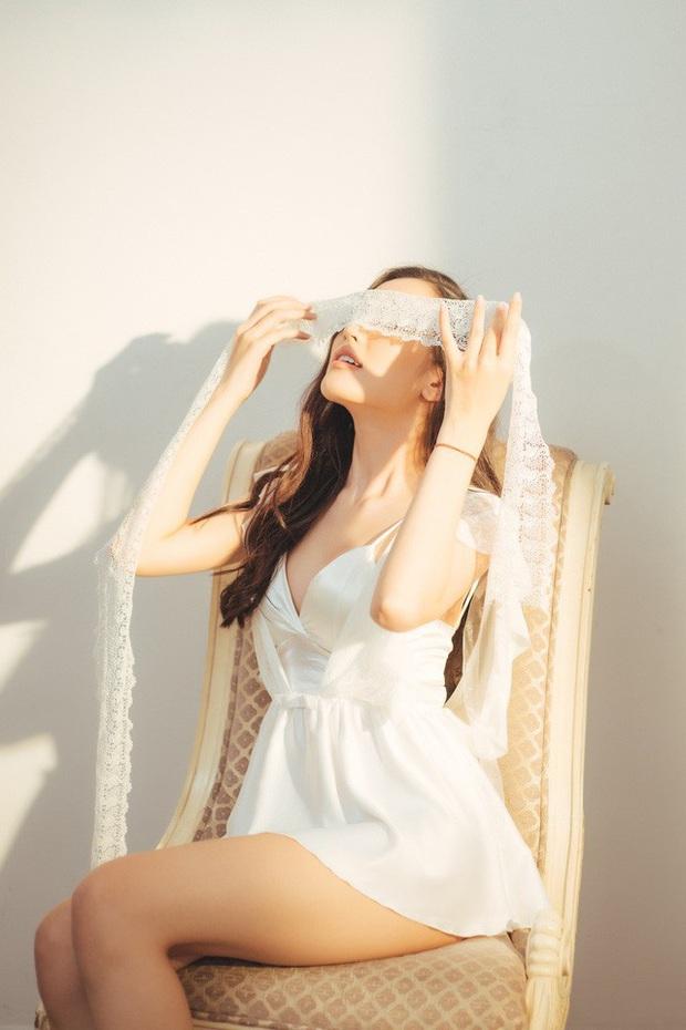 Streamer ChiChi khoe trọn thân hình nóng bỏng mắt trong bộ ảnh Sexy cùng nắng làm fan chao đảo - Ảnh 14.