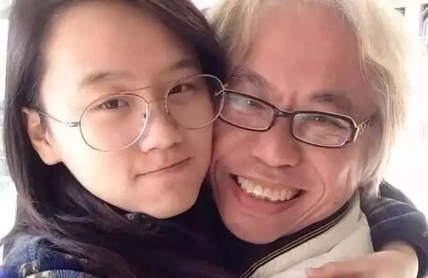 Vượt qua rào cản tuổi tác, bất chấp phản đối từ gia đình và dư luận, cặp đôi ông - cháu cách nhau 40 tuổi vừa kỉ niệm 7 năm yêu nhau - Ảnh 3.