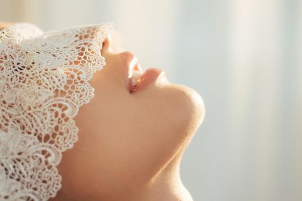 Streamer ChiChi khoe trọn thân hình nóng bỏng mắt trong bộ ảnh Sexy cùng nắng làm fan chao đảo - Ảnh 5.