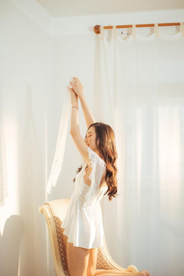 Streamer ChiChi khoe trọn thân hình nóng bỏng mắt trong bộ ảnh Sexy cùng nắng làm fan chao đảo - Ảnh 9.