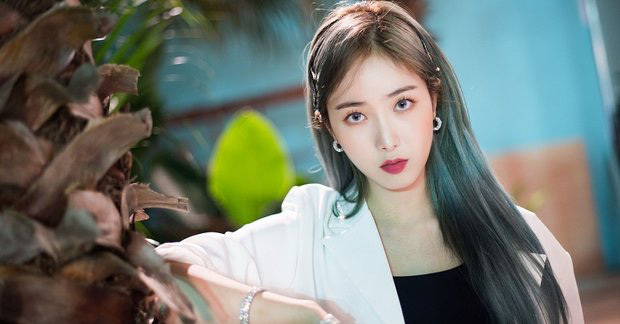 """Netizen chọn ra những """"biểu tượng girlcrush"""": Bản sao """"nữ hoàng băng giá"""" góp mặt, visual IZ*ONE lọt top dù chưa từng thử sức, ủa nhưng BLACKPINK đâu? - Ảnh 12."""