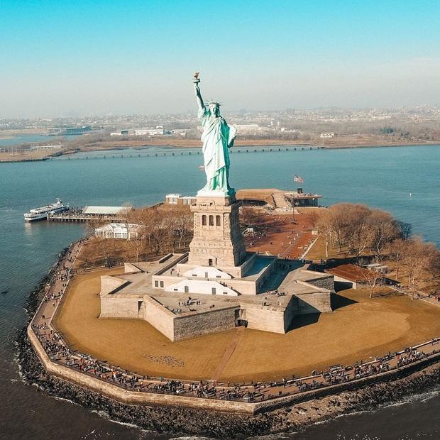 """13 công trình nổi tiếng thế giới có chi phí xây dựng """"khủng"""" nhất từ trước tới nay, vị trí đầu tiên ngốn tới… 42 tỷ đô! - Ảnh 2."""