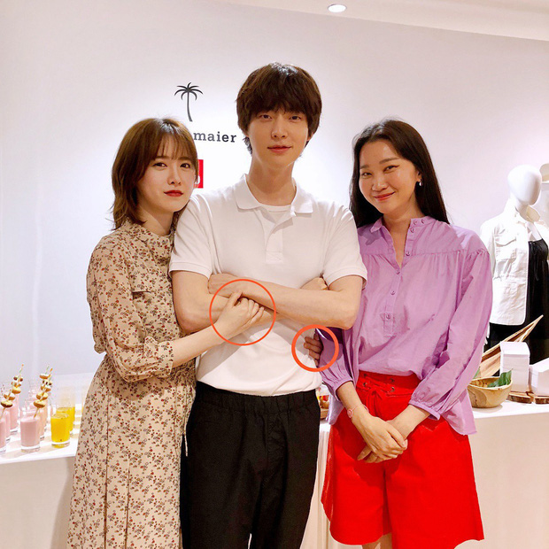 Sao đã kết hôn đứng cạnh đồng nghiệp khác giới: Lee Byung Hun tránh Suzy như tránh tà, Dương Mịch thả thính dàn trai đẹp - Ảnh 16.
