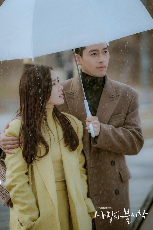 Ghép thử hình Hyun Bin và Son Ye Jin, ai ngờ fan phát hiện cặp đôi có tướng phu thê: Ảnh hồi bé còn gây choáng hơn! - Ảnh 4.