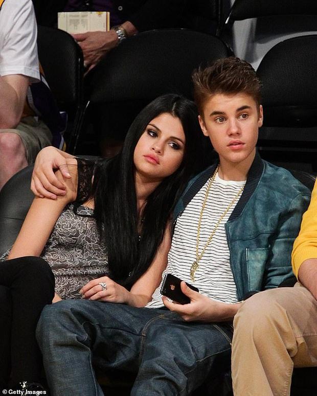 Justin Bieber trải lòng từng đối xử tệ bạc với Selena, thú nhận không thể chung thuỷ với Hailey khi mới hẹn hò - Ảnh 2.