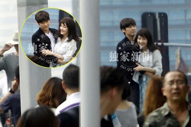 Sao đã kết hôn đứng cạnh đồng nghiệp khác giới: Lee Byung Hun tránh Suzy như tránh tà, Dương Mịch thả thính dàn trai đẹp - Ảnh 30.