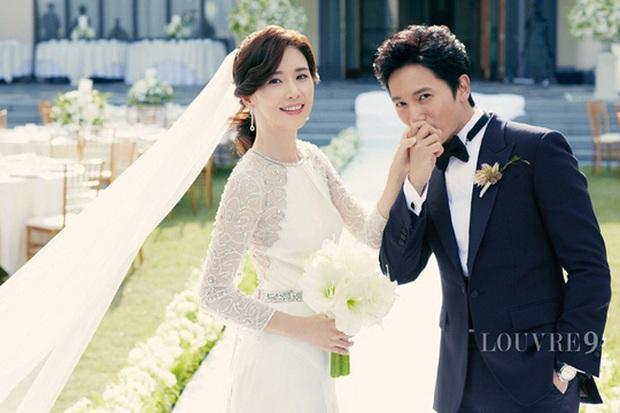 Sao đã kết hôn đứng cạnh đồng nghiệp khác giới: Lee Byung Hun tránh Suzy như tránh tà, Dương Mịch thả thính dàn trai đẹp - Ảnh 5.