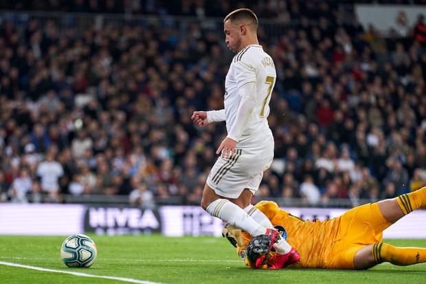 Bản hợp đồng bom tấn thế chỗ Ronaldo trở lại, Real Madrid vẫn mất điểm cay đắng và bị đại kình địch Barcelona áp sát - Ảnh 5.