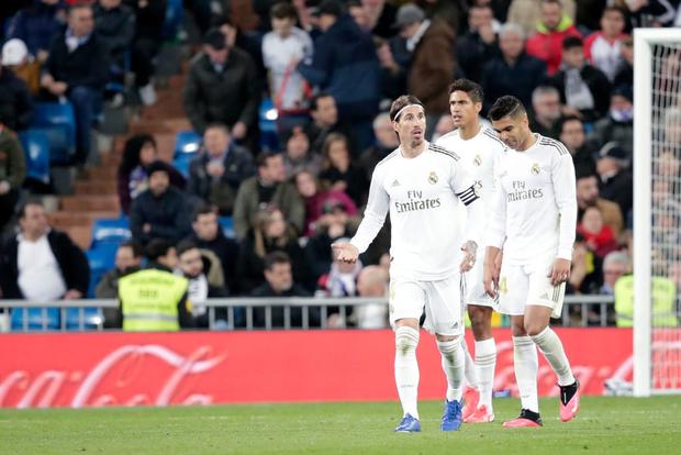 Bản hợp đồng bom tấn thế chỗ Ronaldo trở lại, Real Madrid vẫn mất điểm cay đắng và bị đại kình địch Barcelona áp sát - Ảnh 8.